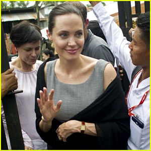 angelina-jolie-visits-female-factory-workrers-in-myanmar