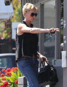 Charlize-Theron1_130410